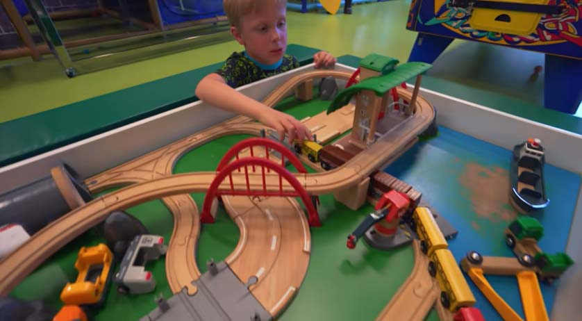 how to start an indoor play area company